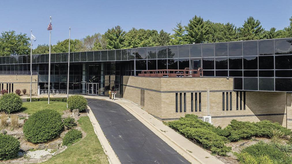 City hopes to bolster building sale with incentive