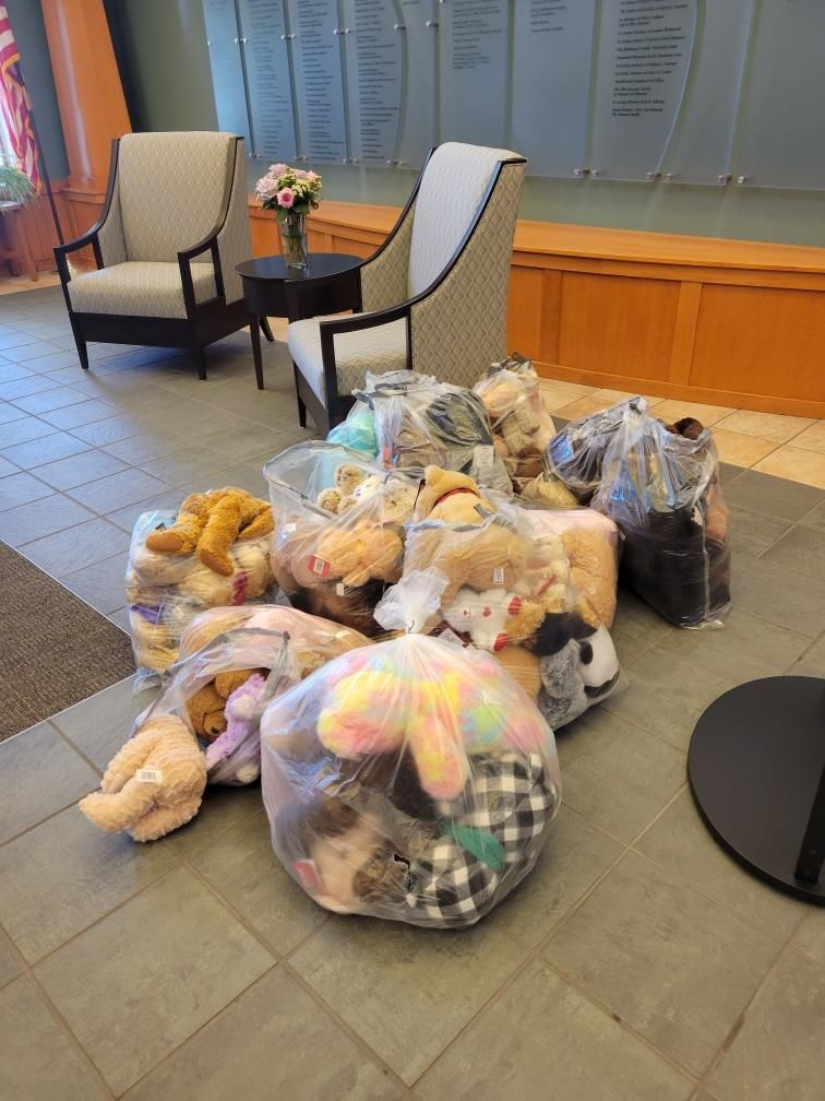 McFarland Lioness Club bear donation
