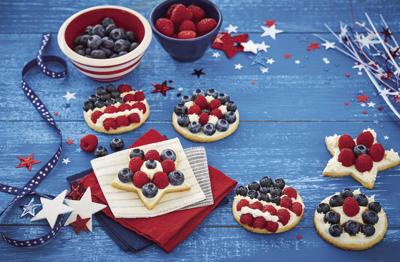 Mini Flag Fruit Pizzas (2020)