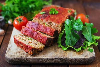 Meatloaf with spicy tomato sauce