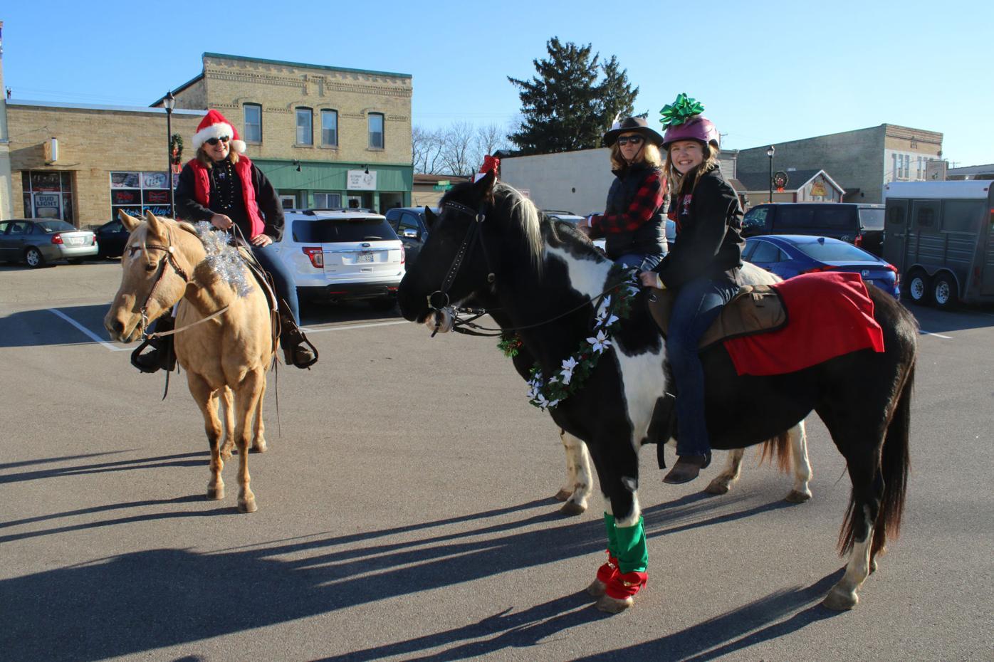 Carolers on horseback 1