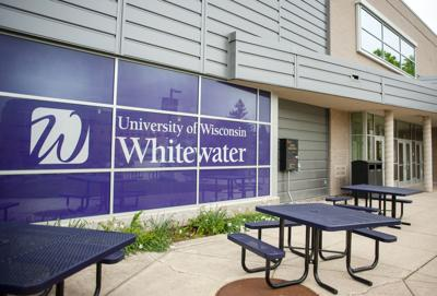 01STOCK_UW-WHITEWATER02
