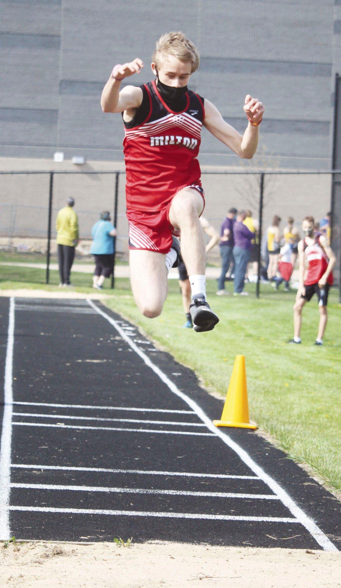 Adrian Vernon at triple jump
