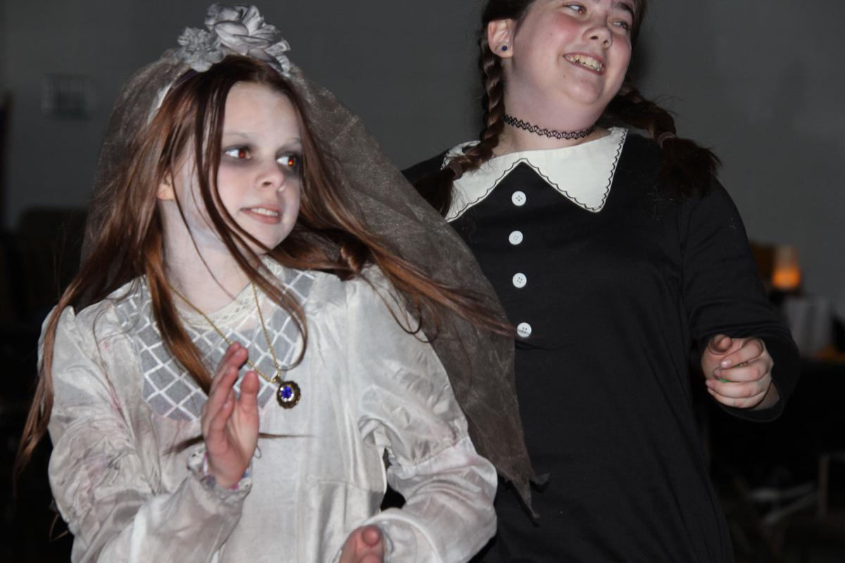 CD Players haunted house and dance