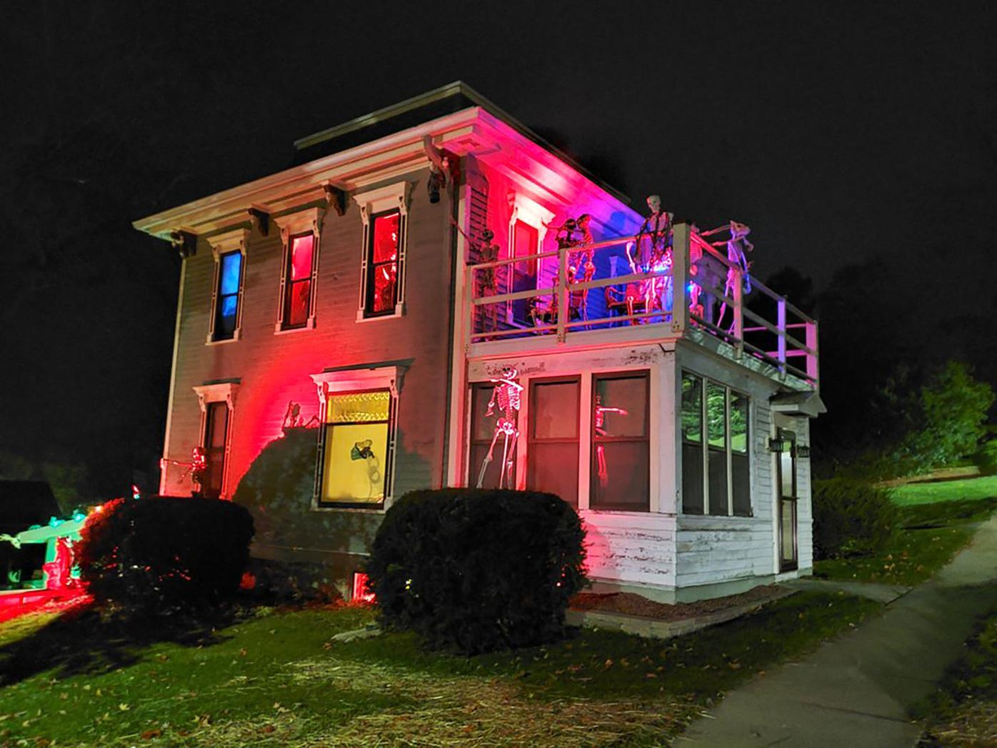 House decorating contest first place.jpg