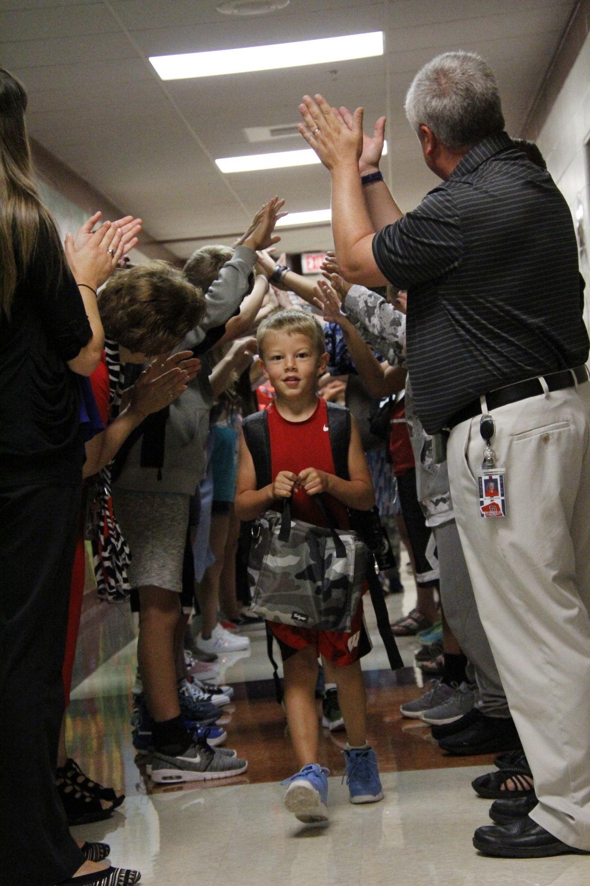 DES Kindergarten first day | Cambridge News / Deerfield