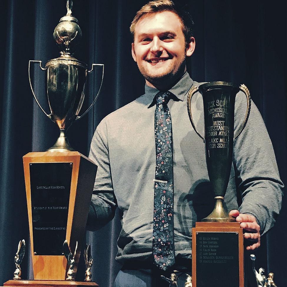 Buchholtz wins Soper award, student of the year
