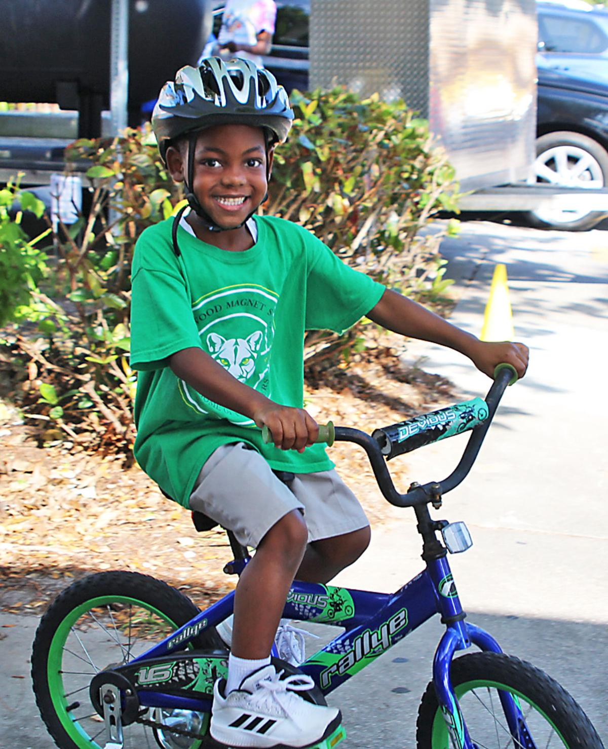Fee bike and helmet program