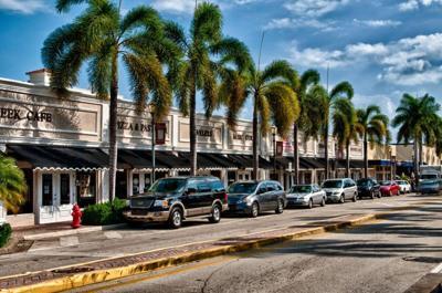 Fort Pierce Orange Avenue - cars parked