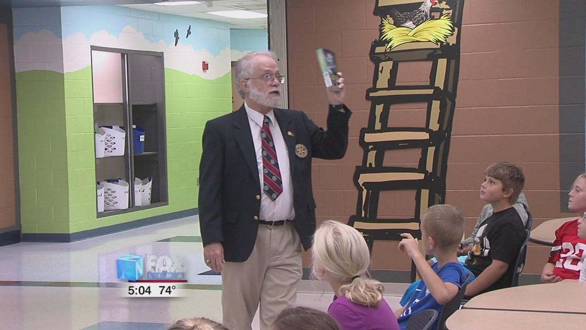 Rotary Club donates dictionaries to St. Marys 3rd graders 2.jpg