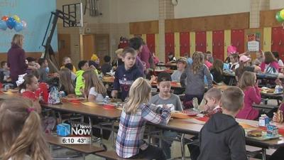"""St. Charles School celebrates """"No One Eats Alone"""" Day"""