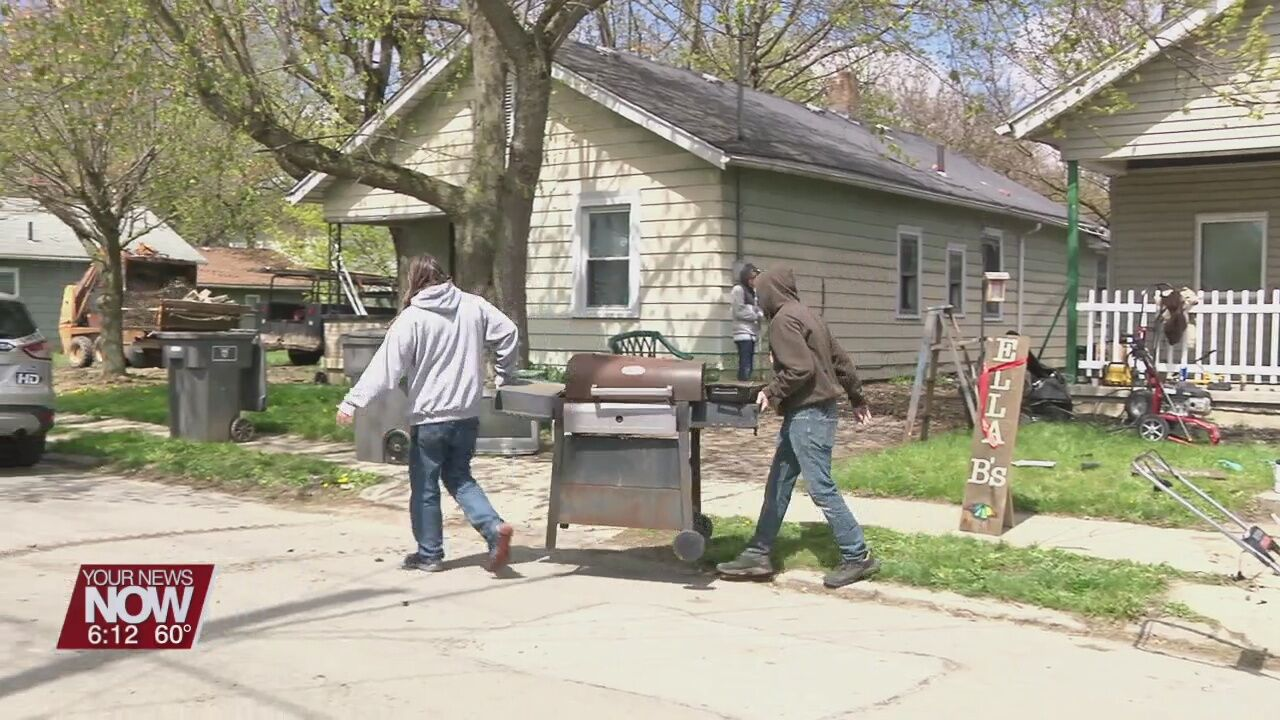 Community comes together to clean Ella B's Mental Health Home in Lima