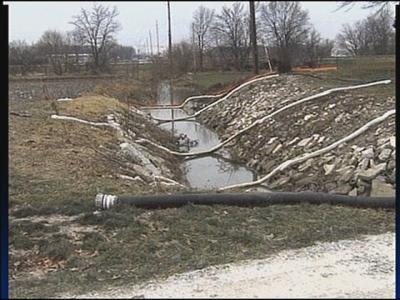 Officials investigate St. Marys oil spill