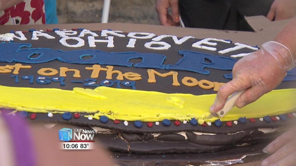Giant MoonPie becomes tasty treat for festival goers 2.jpg