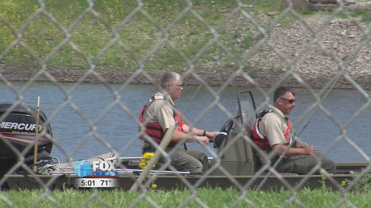 Dive Team and ODNR sonar boat locates body of driver in pond on Buckeye Road