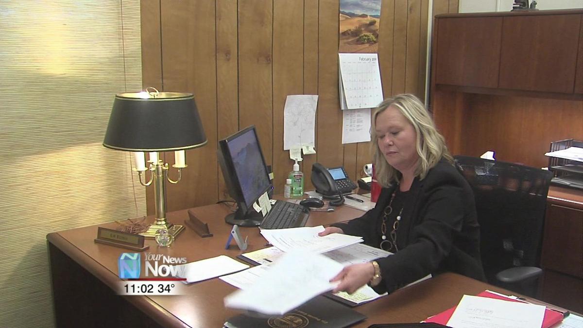 New Clerk of Courts sworn in for Putnam County 1.jpg