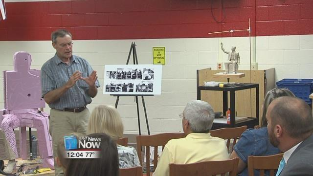 Wapakoneta Community Gets Sneak Peek At Armstrong Sculpture News