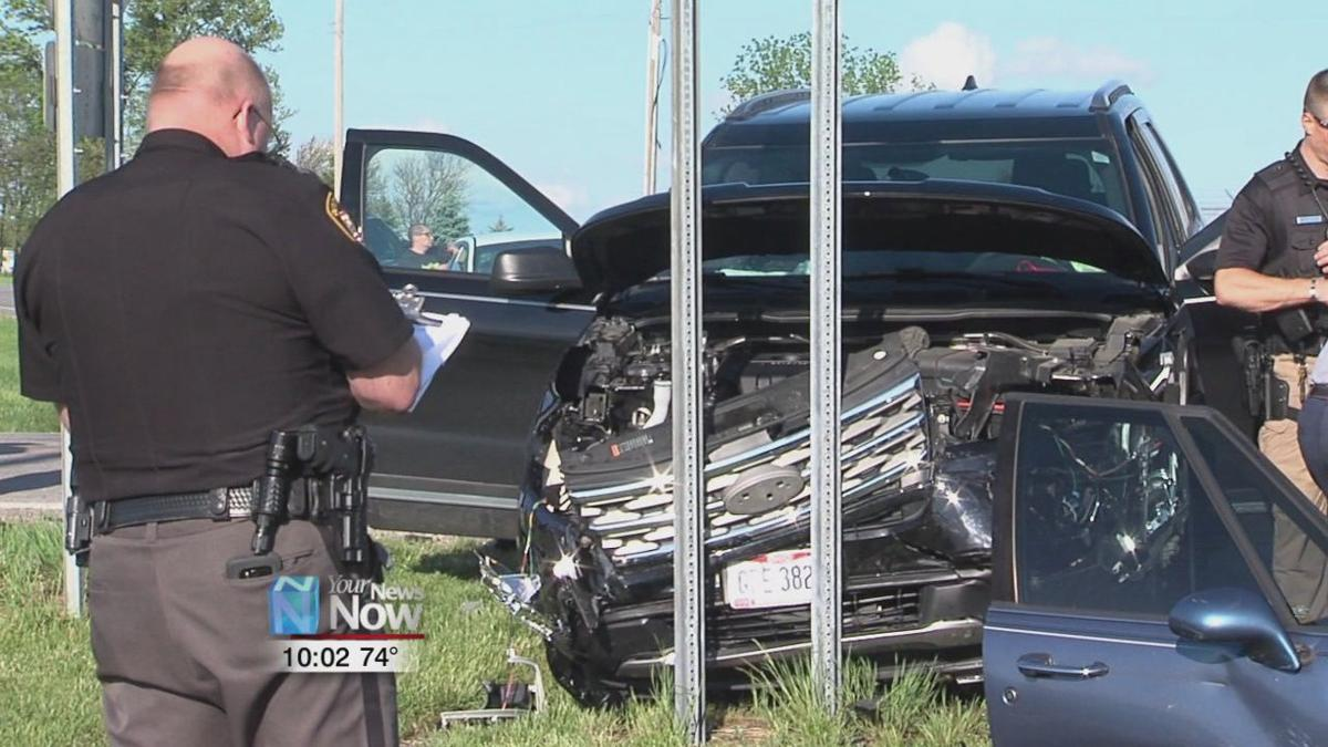 Two people injured in Putnam County crash