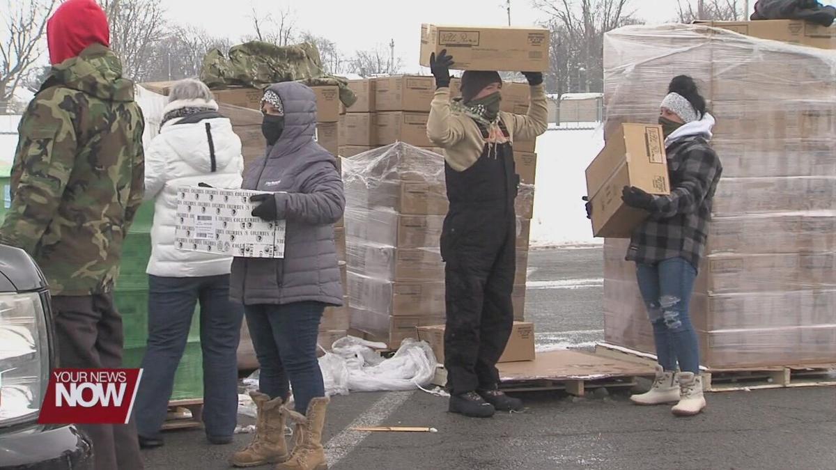 Mike Gallmeier Foundation and WOFB host frigid food distribution