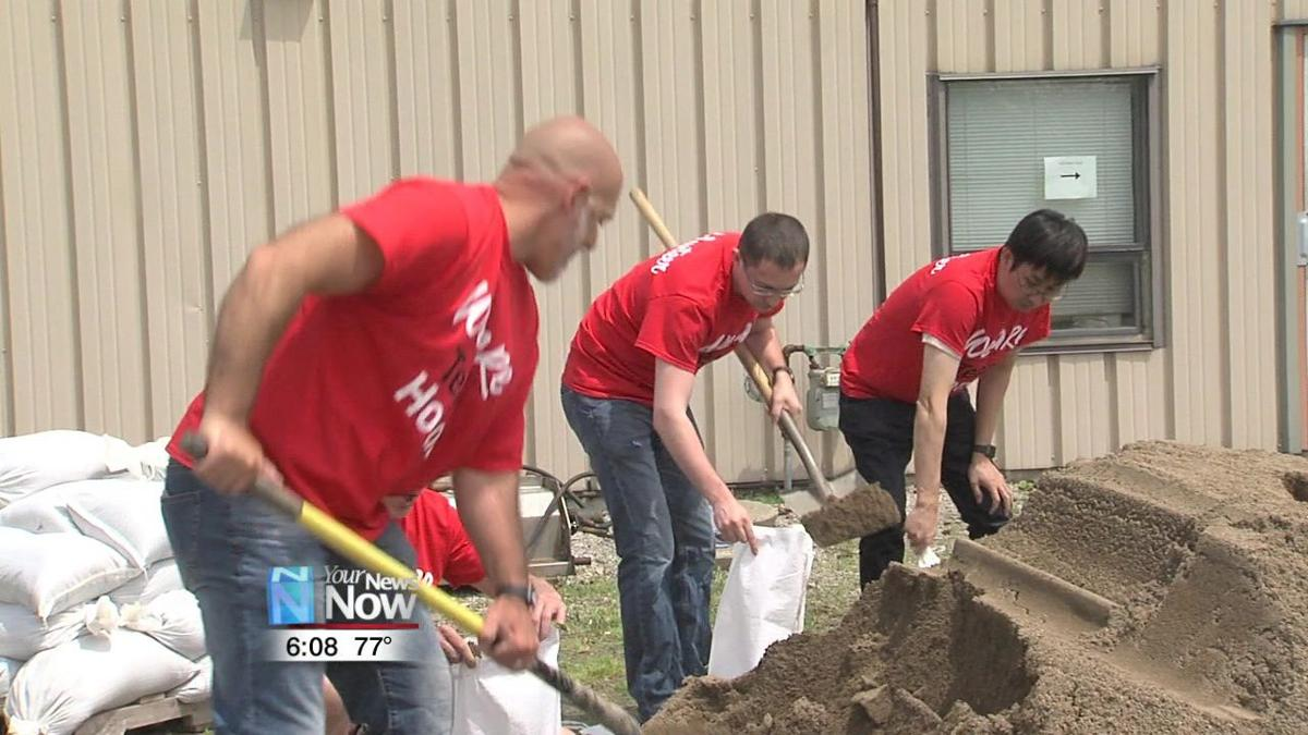SRK Ohio employees give back to the Bluffton Community1.jpg