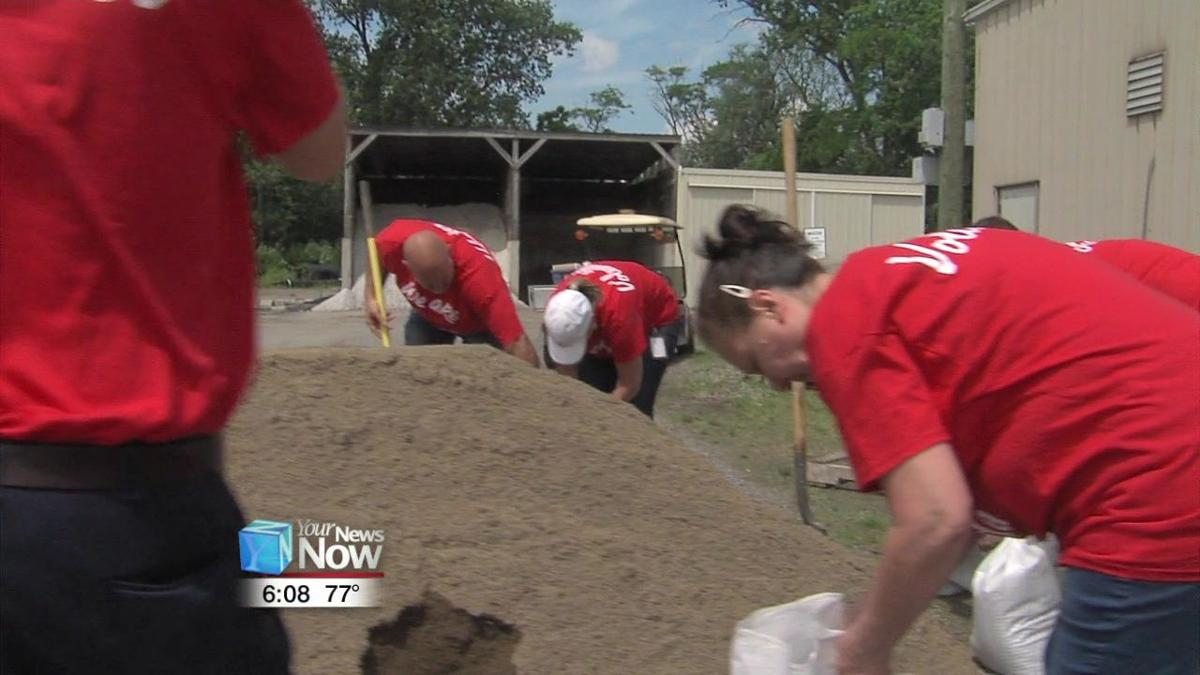 SRK Ohio employees give back to the Bluffton Community.jpg