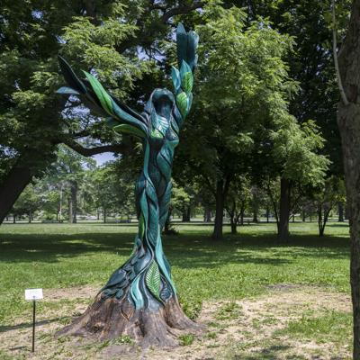 Tree scupture