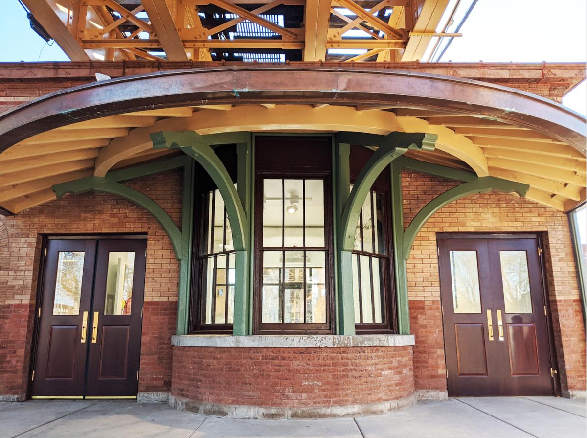 Garfield Green Line station house
