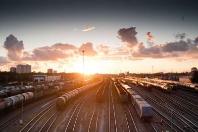 train-821500_1920.jpg