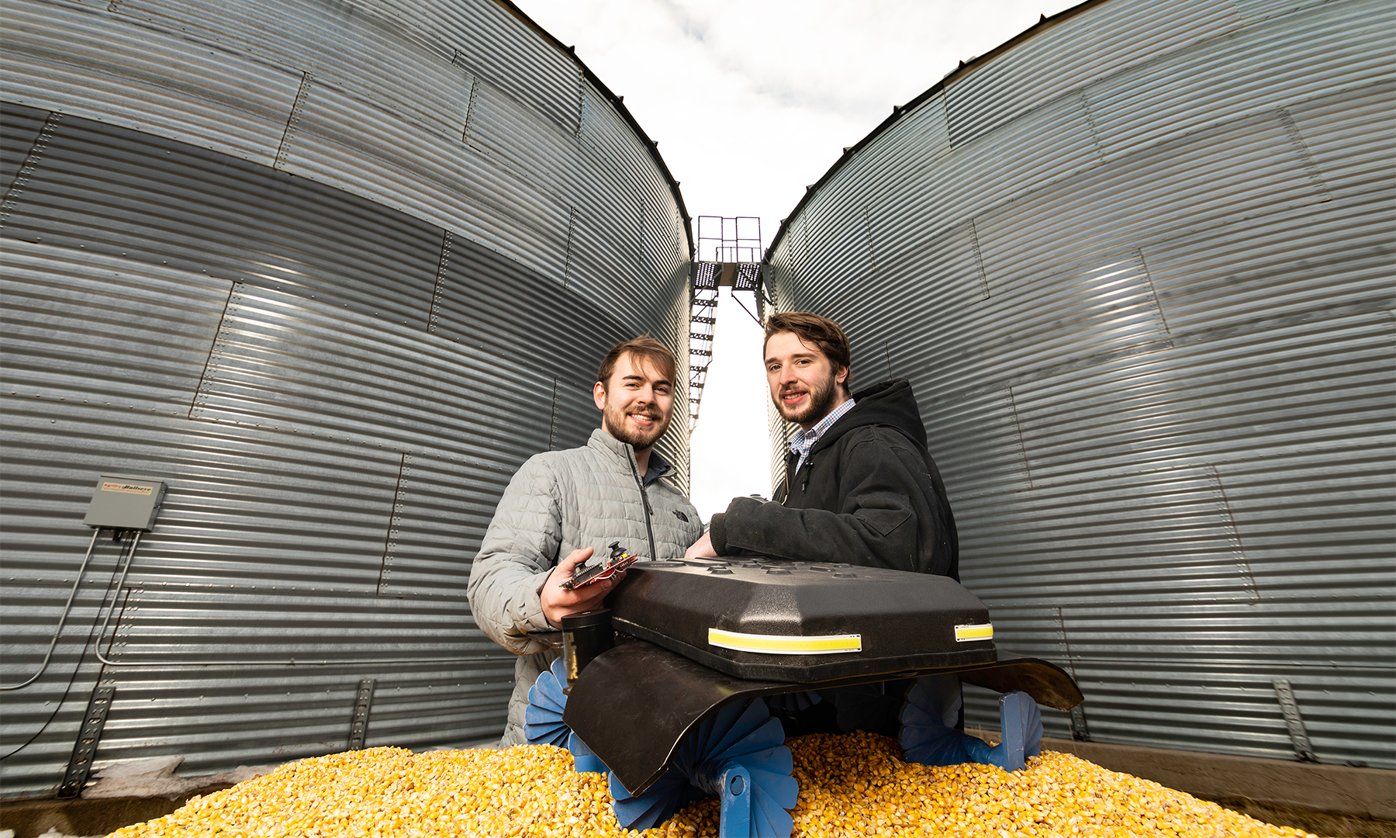 'Robot's walk' in grain bin offers potential for giant step in farm safety