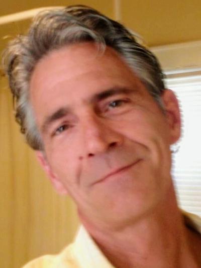André C. Lenzen