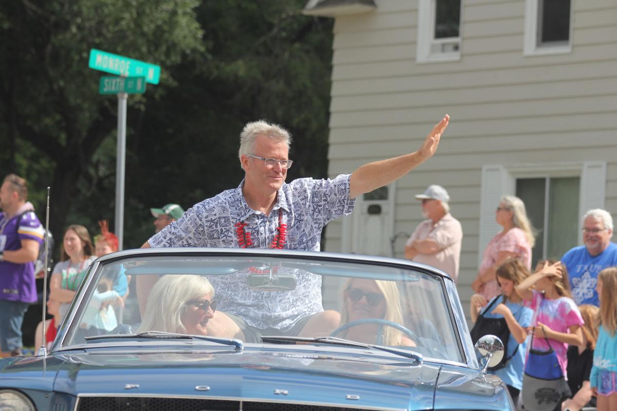 Pepper Fest parade Good Neighbor.JPG
