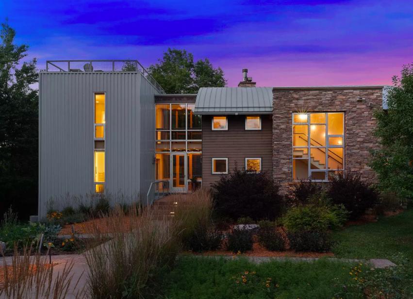 Baldwin, Wis. modern home for sale