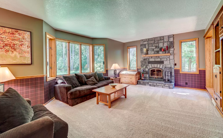 Hudson, Wis. 1990s house for sale 2