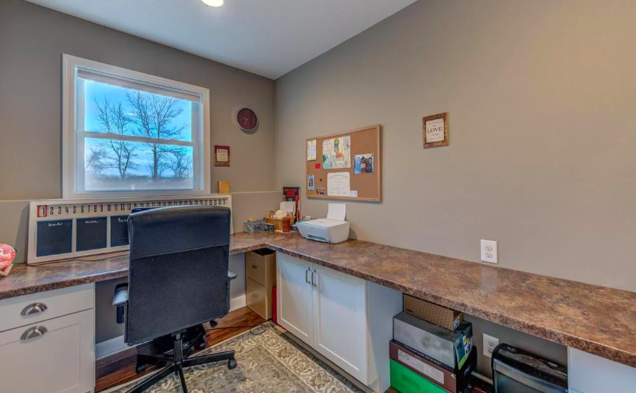 New Richmond, Wis. house for sale with home office