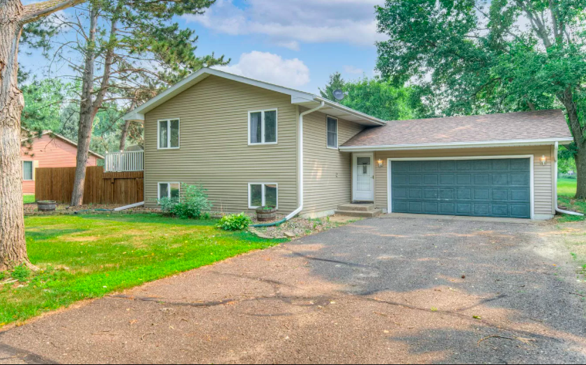 New Richmond, Wis. house with backyard entertaining space for sale