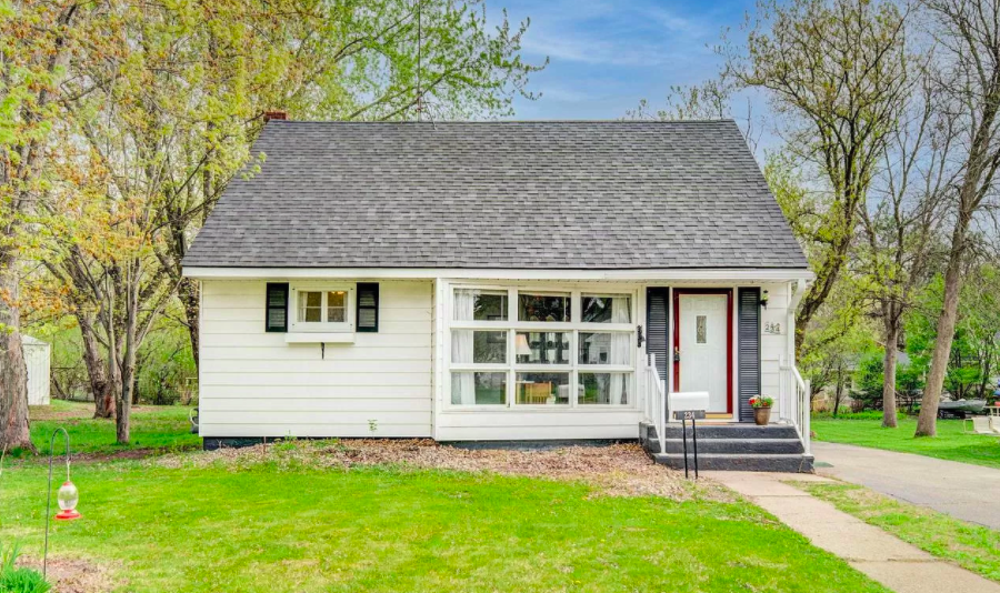 New Richmond, Wis. small house for sale