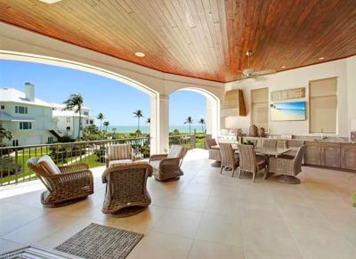 Barefoot Beach, Fla. snowbird home for sale