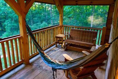 Viroqua private luxurious cabin cover