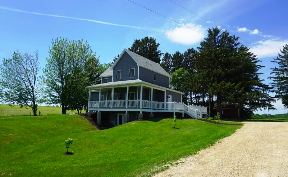 Hager City, Wis., farm house for sale, 1