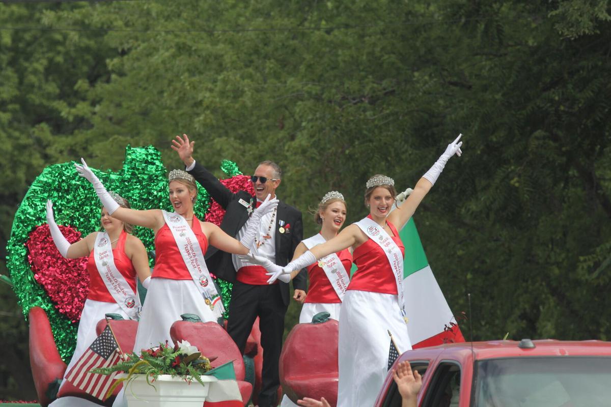 Pepper Fest Parade 1.JPG