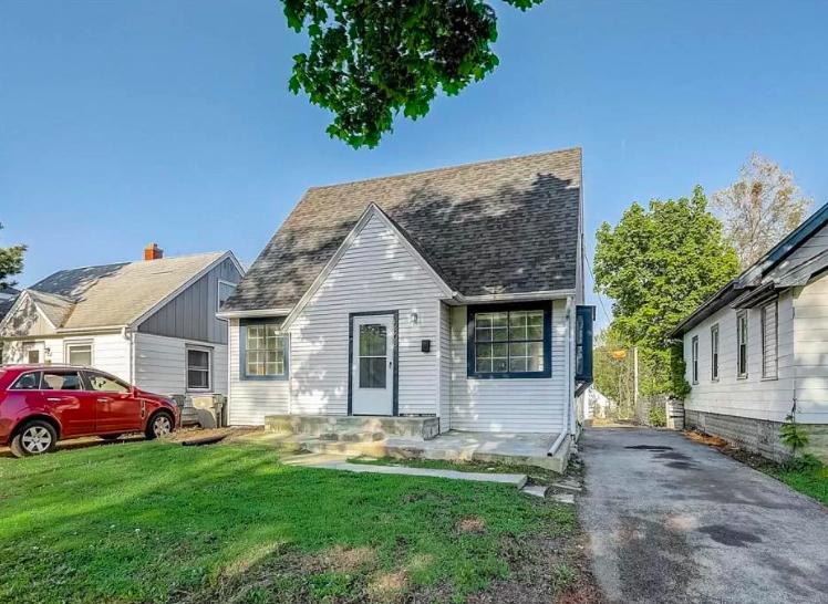 Milwaukee, Wis. house for sale 2