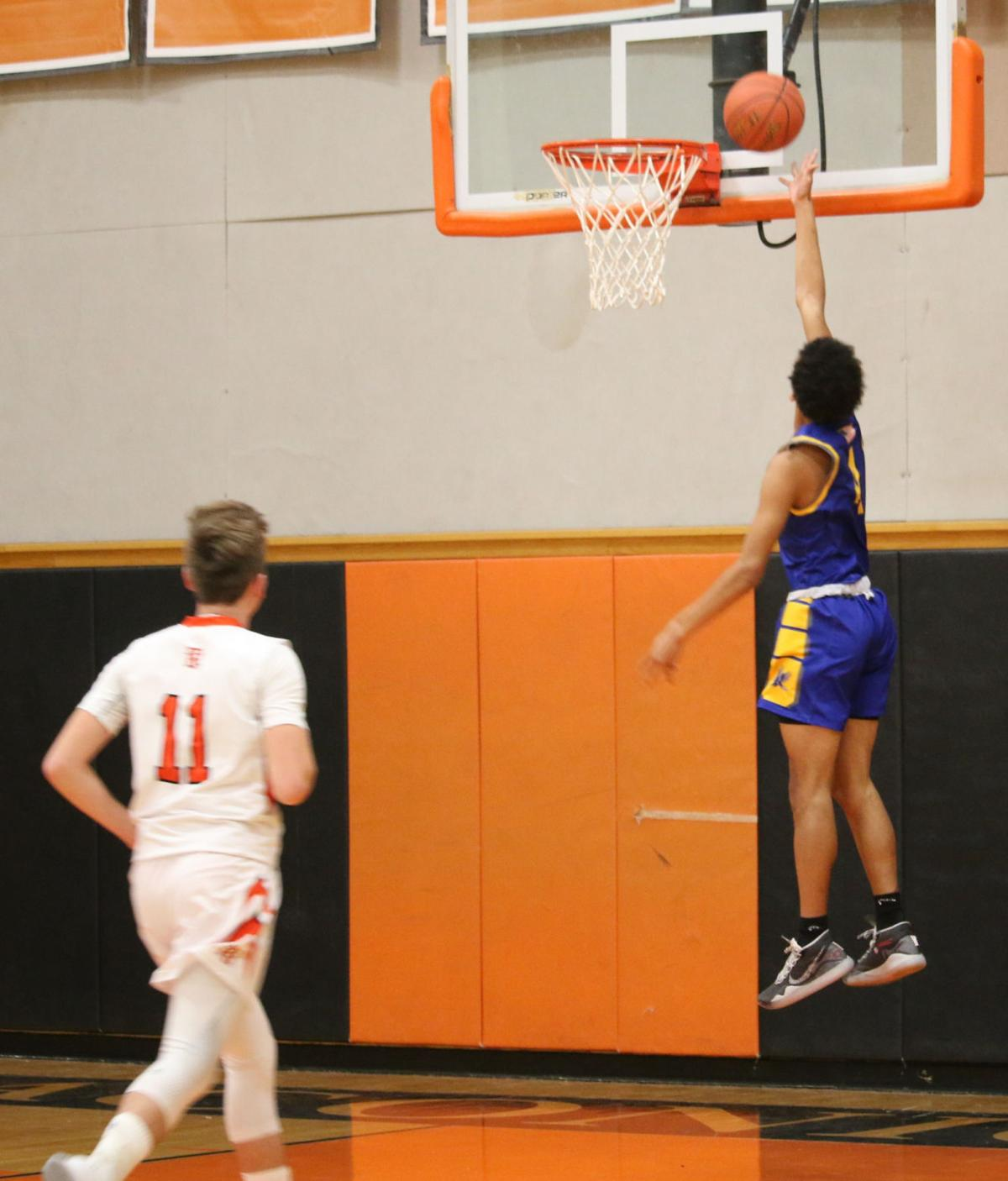 Griffin's 28 lead Bluehawks to victory