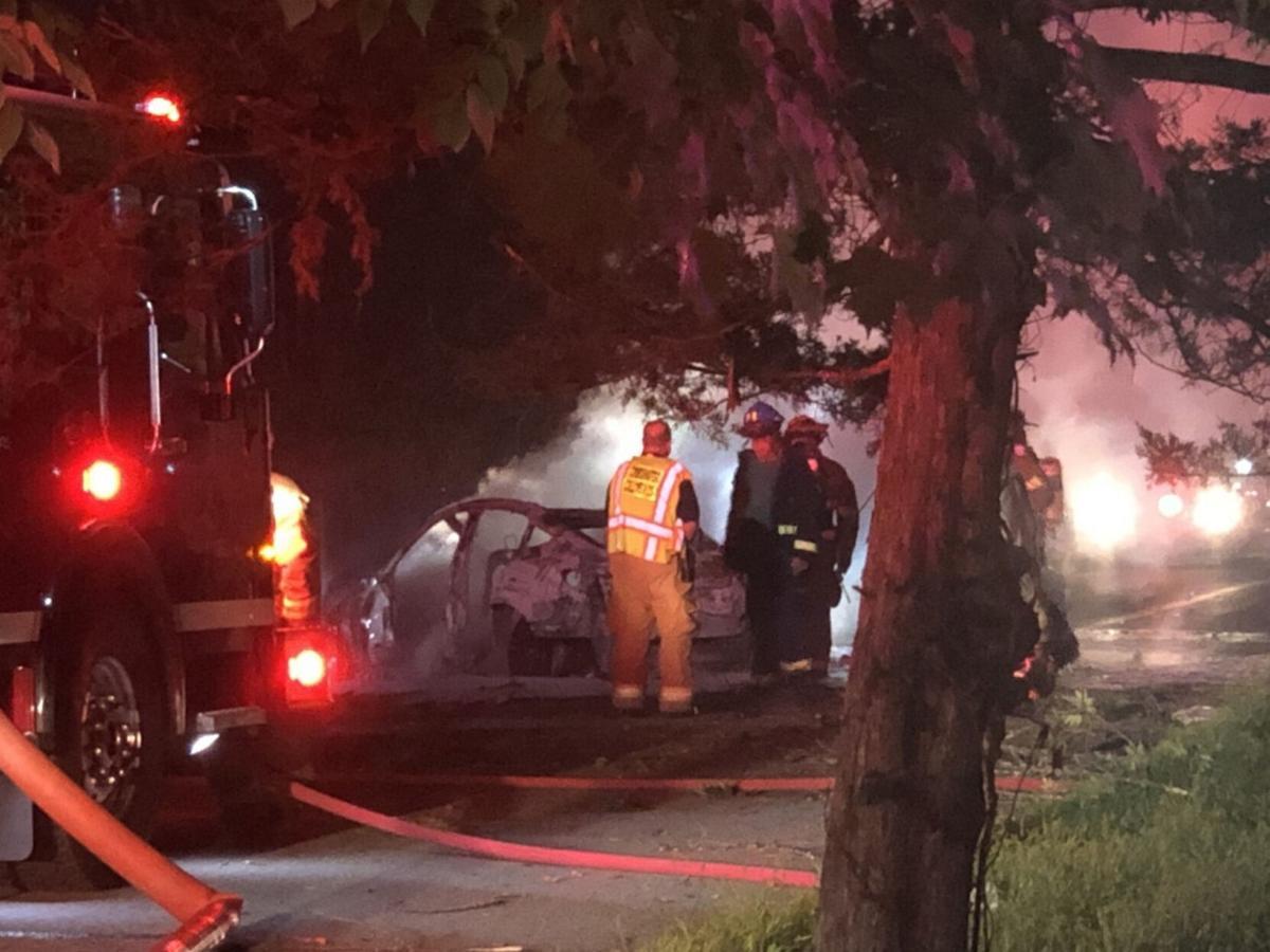 2 die in car fire