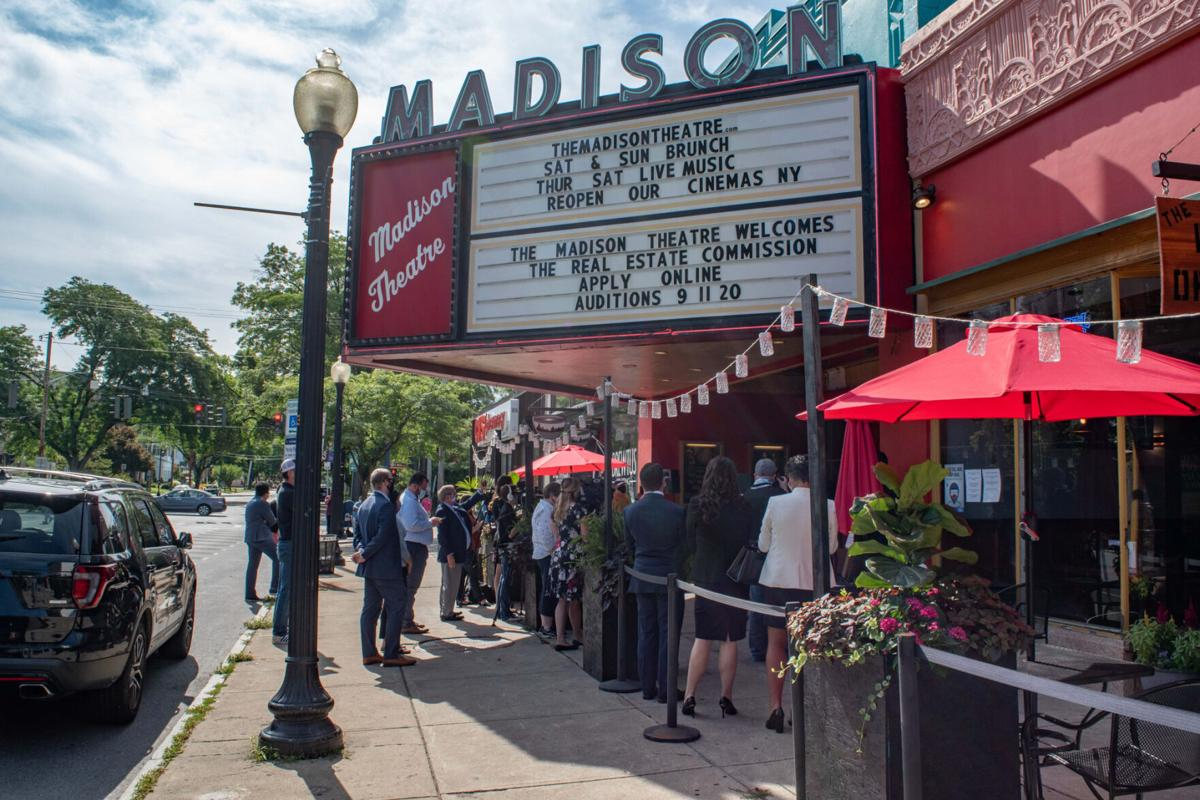 Movie theater owners make case to reopen in NY