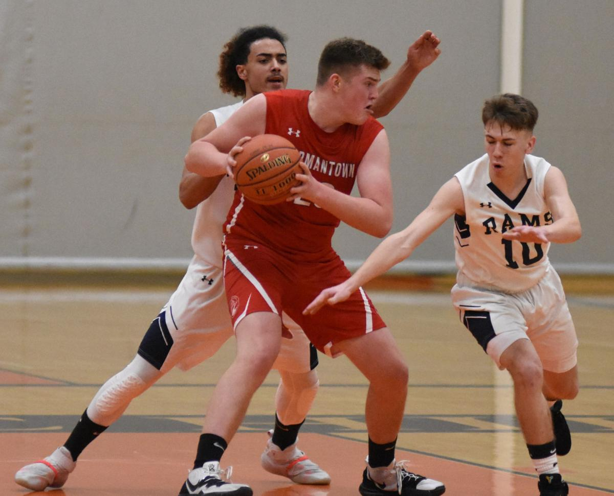 BOYS BASKETBALL: Clippers, Cats suffer first losses