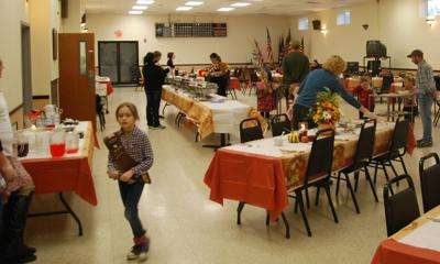 Team effort to deliver holiday dinners