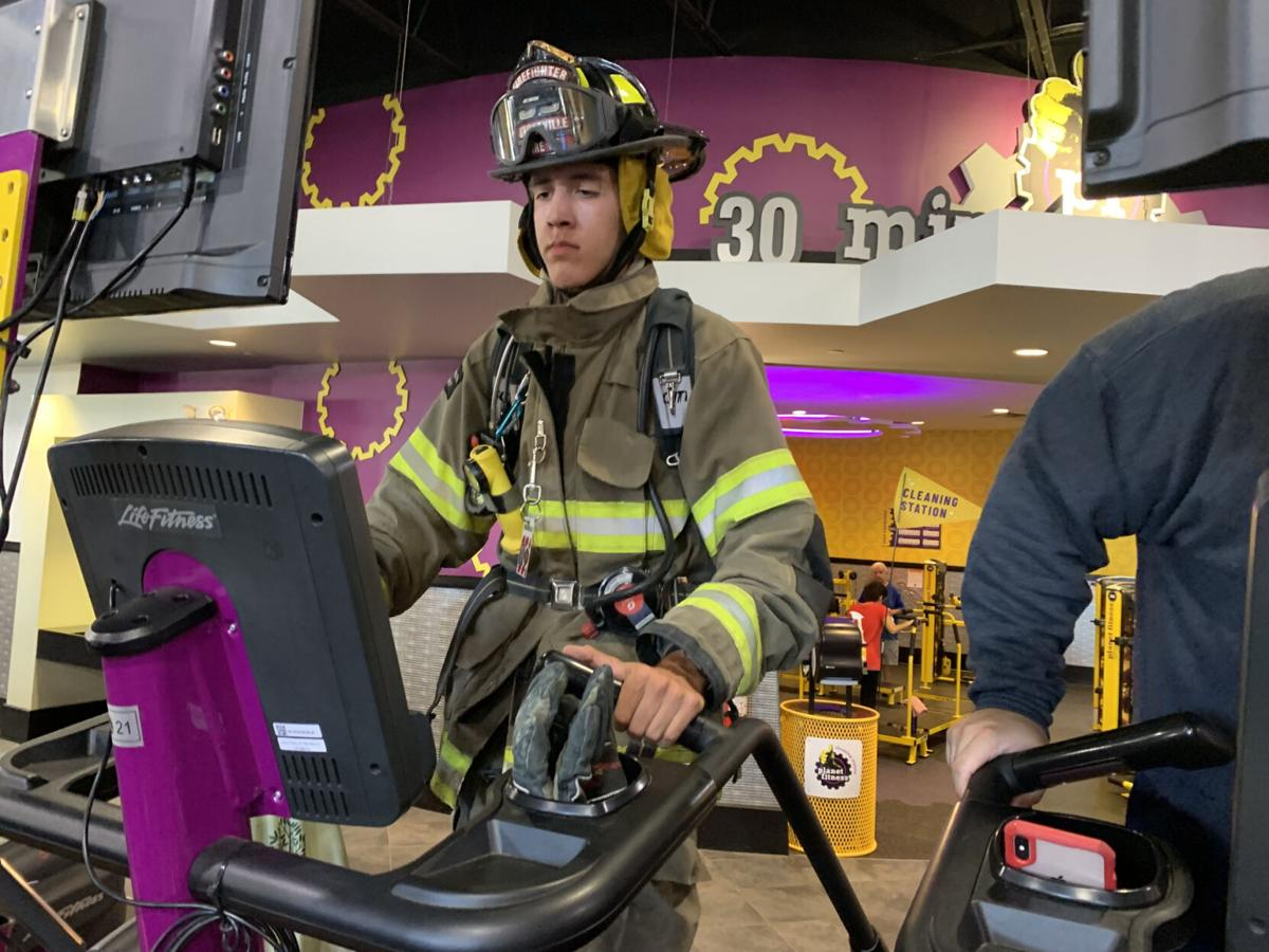 Teen firefighter honors fallen with 110-story climb