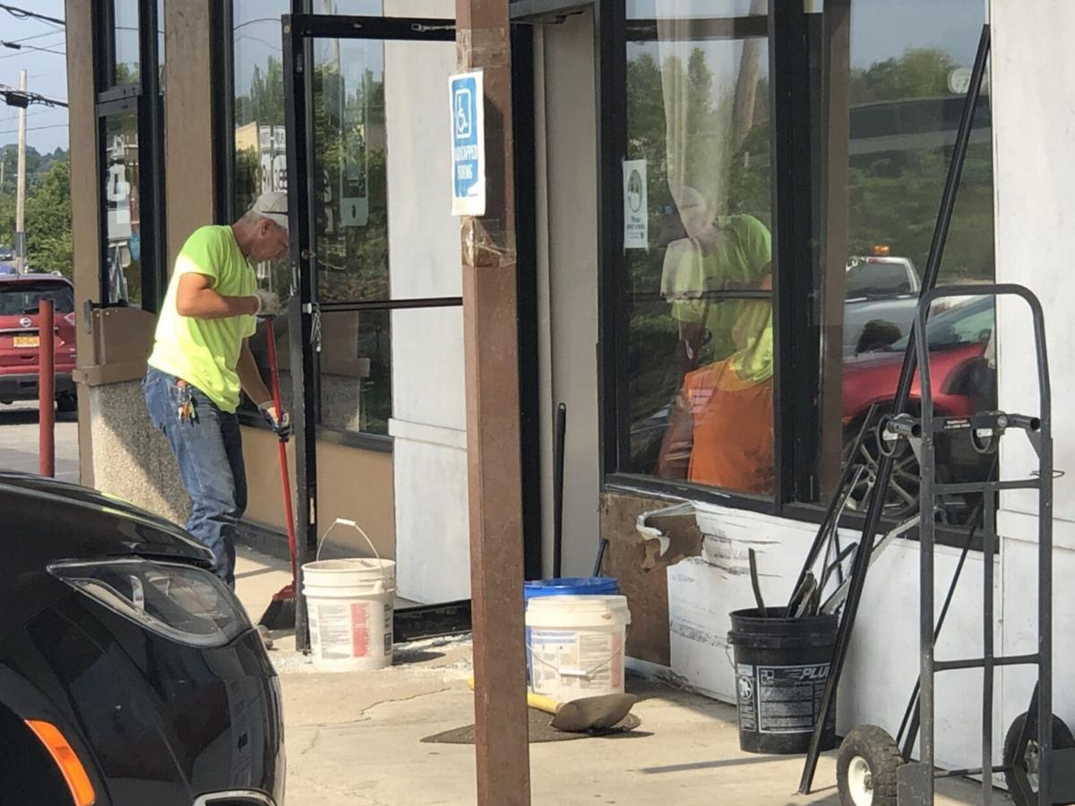 Car crashes into Grandview Plaza salon