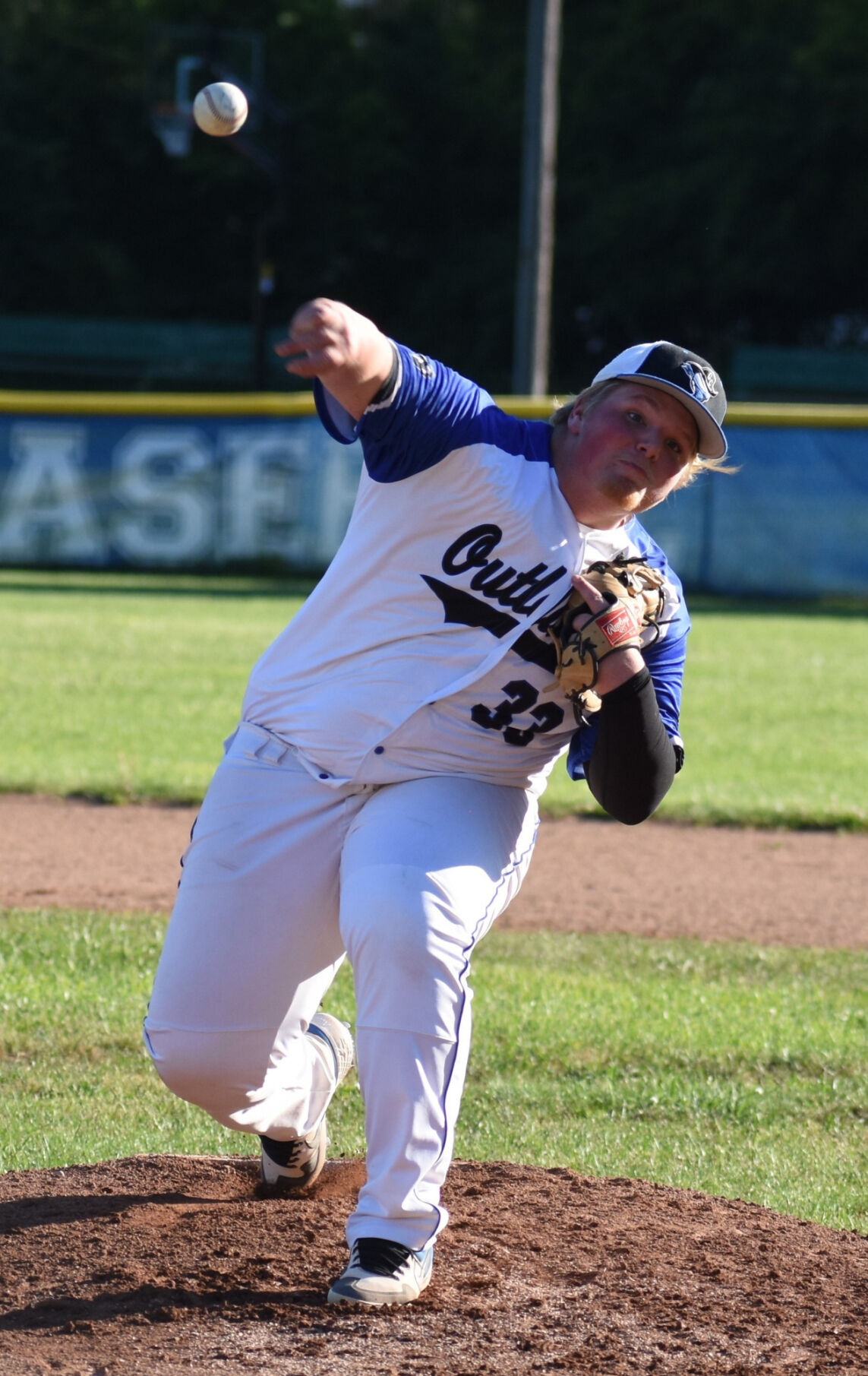 LOCAL ROUNDUP: Royals blank 15U Outlaws; Lady Reds win