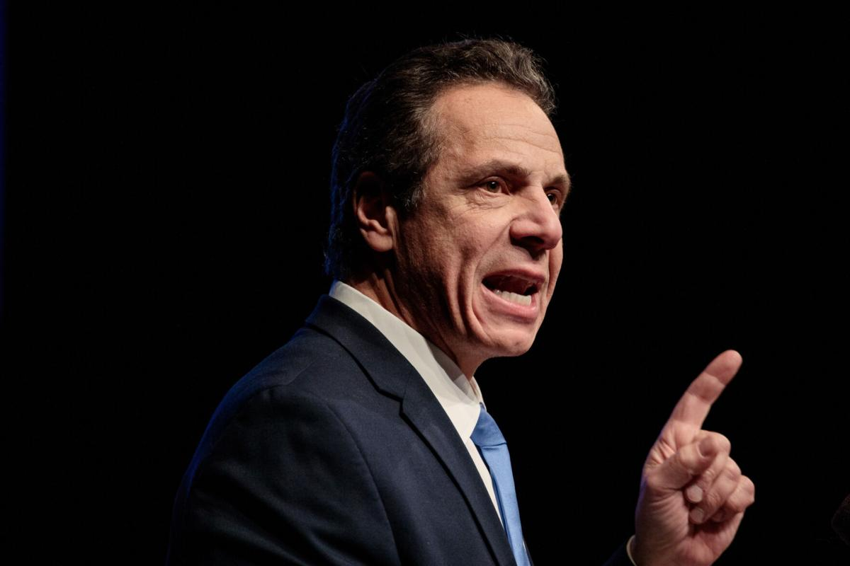 Cuomo blasts Trump as 'tabloid cartoon'